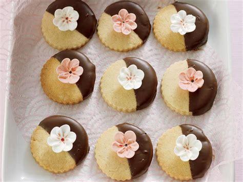 Surinamese cornstarch cookies are one of my favorite cookies. 10 Best Shortbread Cookies with Cornstarch Recipes
