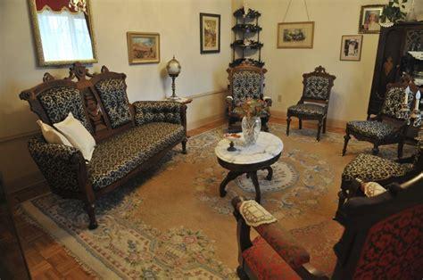 bonnes affaires tunisie maison meubles décoration mobilier sur meuble antique a vendre tunisie table de lit a roulettes