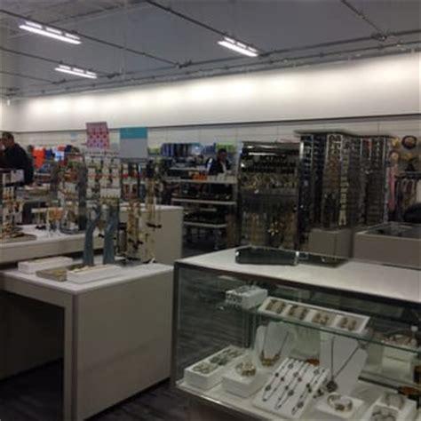nordstrom rack denver nordstrom rack 14 photos shoe shops 7645 n academy