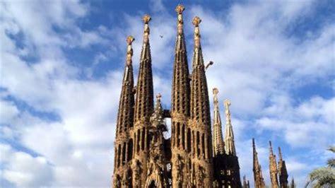 barcelona spain cathedral sagrada familia wallpaper