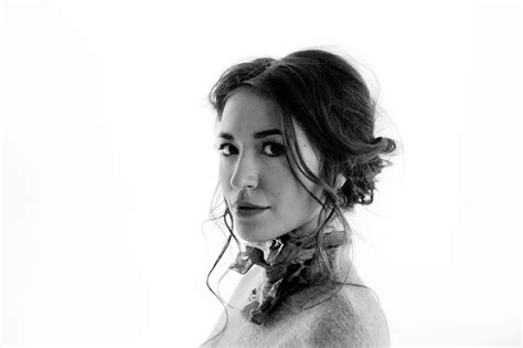 Lauren Daigle Invites You To 'behold'