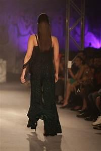 Photos : Alia Bhatt Walks The Ramp For Designer Namrata ...