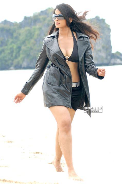Kollywood Mirchi Anushka Hot Bikini Boob Show Stills From
