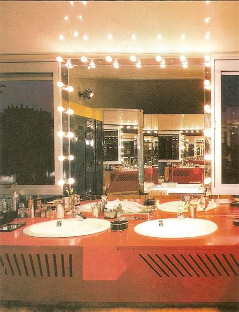 The Ultimate '80s Interior Design Guide Mirror80