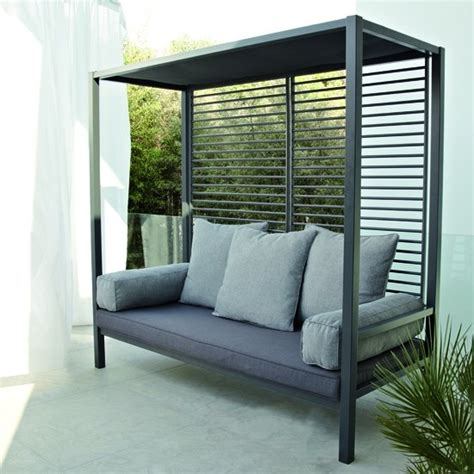 blooma day bed from b q garden furniture