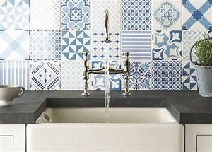 Top 15 patchwork tile backsplash designs for kitchen for Kitchen colors with white cabinets with papier peint imitation carreaux de ciment