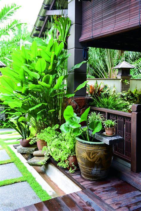Beranda kayu & anjung kayu menjadi konsep pilihan dalam. Deco Laman Tepi Rumah / 50 Desain Kolam Renang Minimalis ...