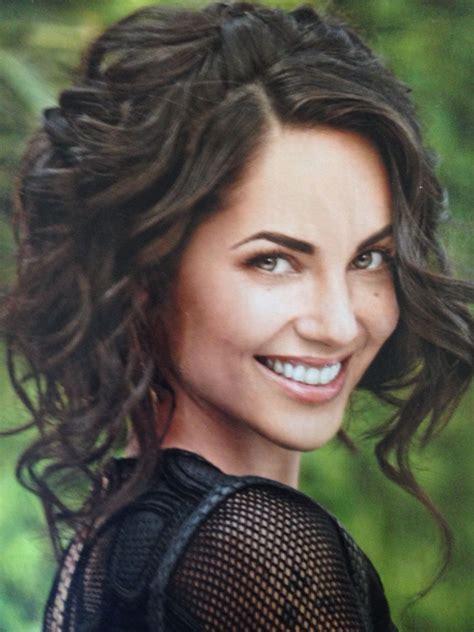 actress long curly hair mexican actress and model barbara mori beautiful short