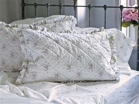 simply shabby chic bedding lavender 17 best images about simply shabby chic on pinterest balloon shades stitches and shabby chic