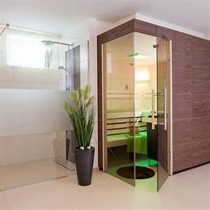 Dampfbad Zu Hause : sauna mit thera med infrarotstrahler im fitnessraum im keller integriert die angrenzende dusche ~ Orissabook.com Haus und Dekorationen