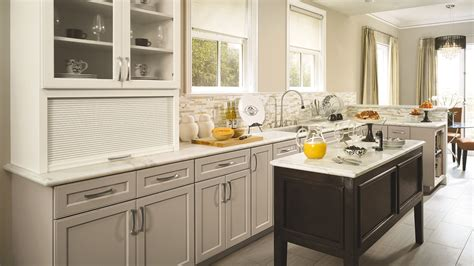 omega dynasty kitchen cabinets shaker kitchen cabinets with a neutral palette omega 3676