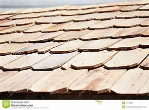 Toit En Bois : tuile de toit en bois neuve images stock image 10739064 ~ Melissatoandfro.com Idées de Décoration