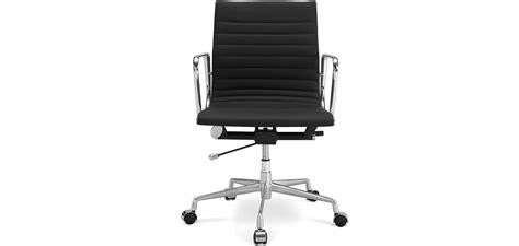 chaise bureau york chaise de bureau eames chaise pscc par charles u