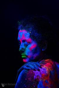 Black Light Vs Uv Light Black Light And Uv Paint Body Painting Photoshoot