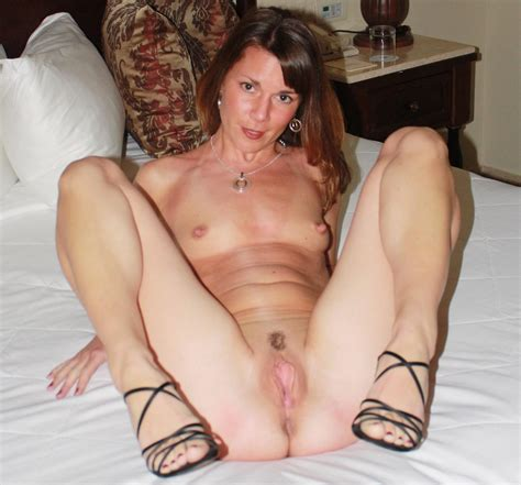 Deb1 In Gallery Hot Sexy Milf Showing Her Pussy Add