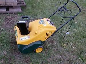 Yardman 21 U0026 39  U0026 39  Gas Snowblower  5 5hp  Electric Start