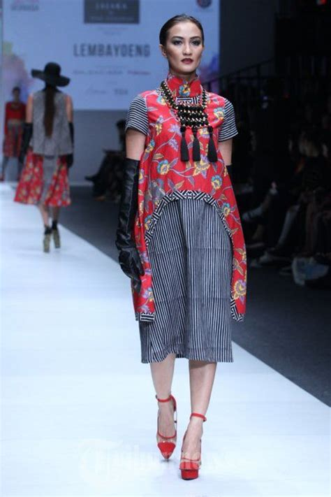image result  jakarta fashion week runway  pictures