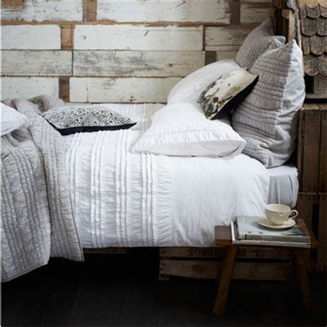 How To Layer Bed Linen  Good Article With Different