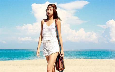 tips memilih pakaian pantai wanita  sopan