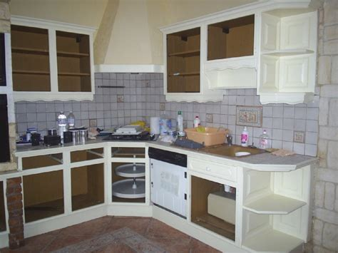 peinture sur stratifié cuisine meuble de cuisine brut peindre peindre un meuble en pin