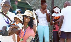venus williams   young  fan   father