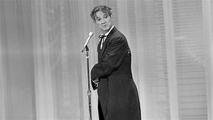 Irwin Corey, Comedian and 'Foremost Authority,' Dies at ...