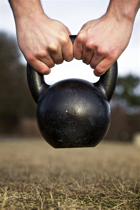 kettlebell workouts istockphoto effective exercises fameuse workout harjoittelua kokeile mail fitness terve fi harjoittelu avis mon