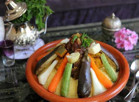 cours de cuisine marocaine apprenez la recette du véritable couscous marocain photo