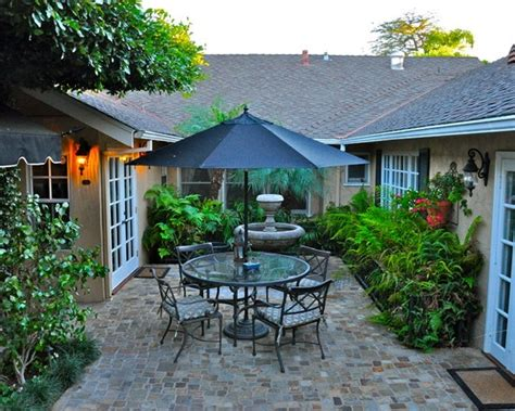pin  laura walden  enclosed courtyards pinterest house plans  floor  pictures