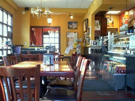 Scottsville's very own coffeehouse experience featuring the artwork of our residents with the warmth of a cozy corner location. Artisan Coffeehouse, Scottsville - Restaurant Reviews, Phone Number & Photos - TripAdvisor ...