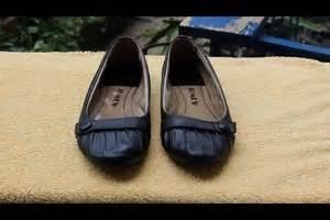 Schuhe Riechen Muffig by Ballerinas Stinken Diese Hausmittel Helfen