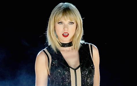 taylor swift announces     nme