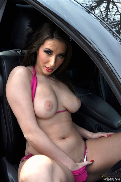 Perfect ass and boobs milf brunette in pink - XXX Dessert - Picture 14