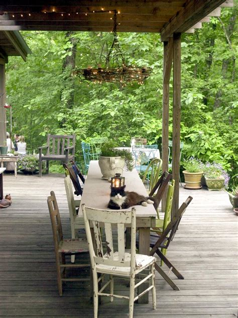 Outdoor Decor - rustic outdoor spaces repurposing and reusing salvaged