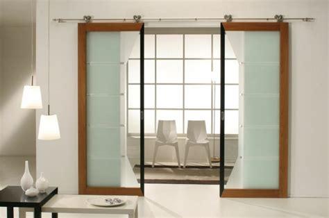chambre insolite avec la porte coulissante 19 exemples de portes cools et lissantes