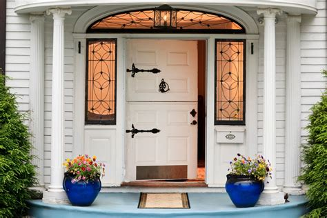 Front Doors : What Makes A Strong Feng Shui Front Door?