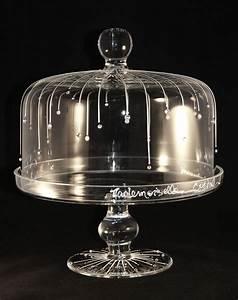 Cloche à Gateau : 124 best cloches g teau images on pinterest cake pedestal cake plates and cupcake stands ~ Teatrodelosmanantiales.com Idées de Décoration