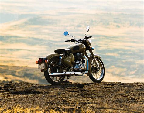 The royal enfield bullet 350 has been in service with the indian army and ever since its induction has been deployed in regions where 4 wheels cannot go easily. The 2021 Royal Enfield Motorcycle Lineup + Our Take On Each Model | webBikeWorld