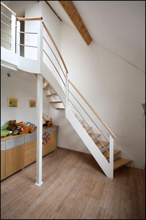 escalier chambre on decoration d interieur moderne mev sprl escaliers pour chambre avec