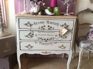 customiser des meubles anciens cobtsacom With wonderful relooking de meubles anciens 1 les 25 meilleures idees concernant peindre de vieux