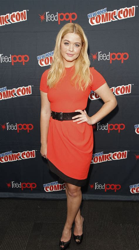 Ashley Benson, Lucy Hale, Shay Mitchell - New York Comic ...
