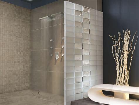 salle de bain avec brique de verre pave de verre chaios
