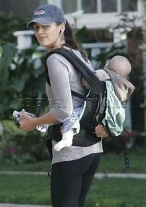Bridget Moynahan goes for a walk with son John – Moms ...