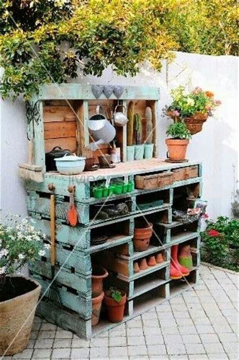 pallet potting bench pallet potting bench yard and gardening ideas pinterest