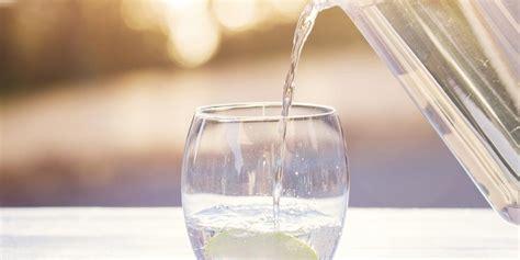Rëndësia e konsumimit të mjaftueshëm të ujit gjatë ditës ...