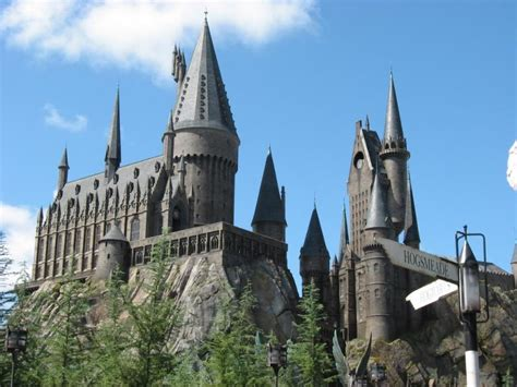 wizarding world to apparate at universal studios neon