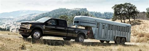How much can the 2018 Ford F Series Super Duty tow?