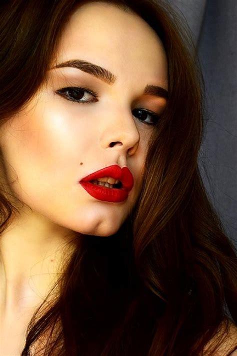 perfect lip    fire tips  apply lipstick