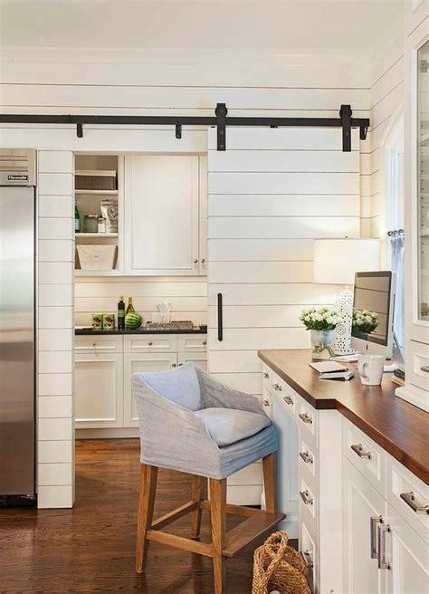 porte cuisine bois porte coulissante cuisine en 25 idées sympatiques ideeco