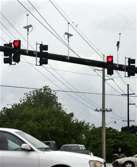 florida red light camera law red light camera debate continues in tallahassee miami